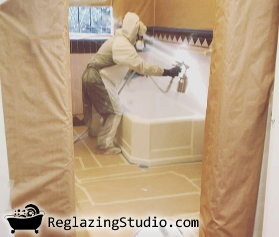 bathroom bathtub fiberglass reglazing refinishing